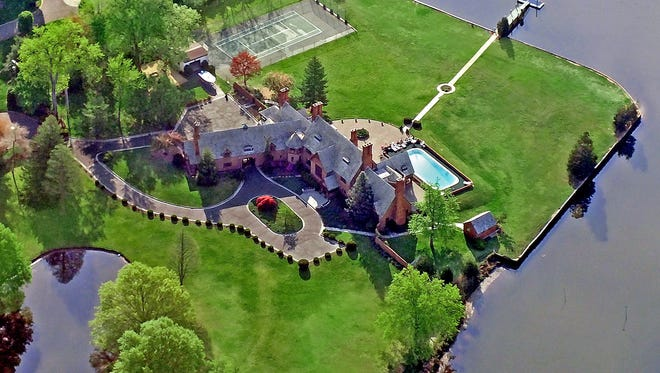 An aerial shot of 80 Oakes Road, Little Silver.