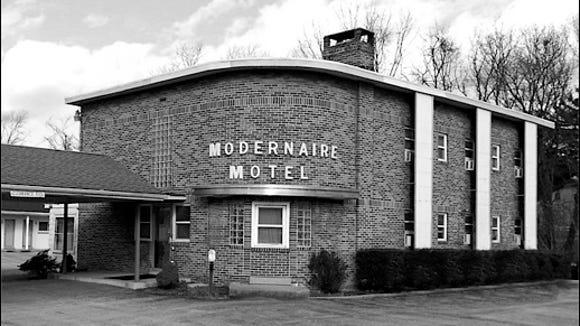 Circa 1990s Photo of The Modernaire Motel (1990s Photos of Properties in Springettsbury Township Historic Preservation Files)