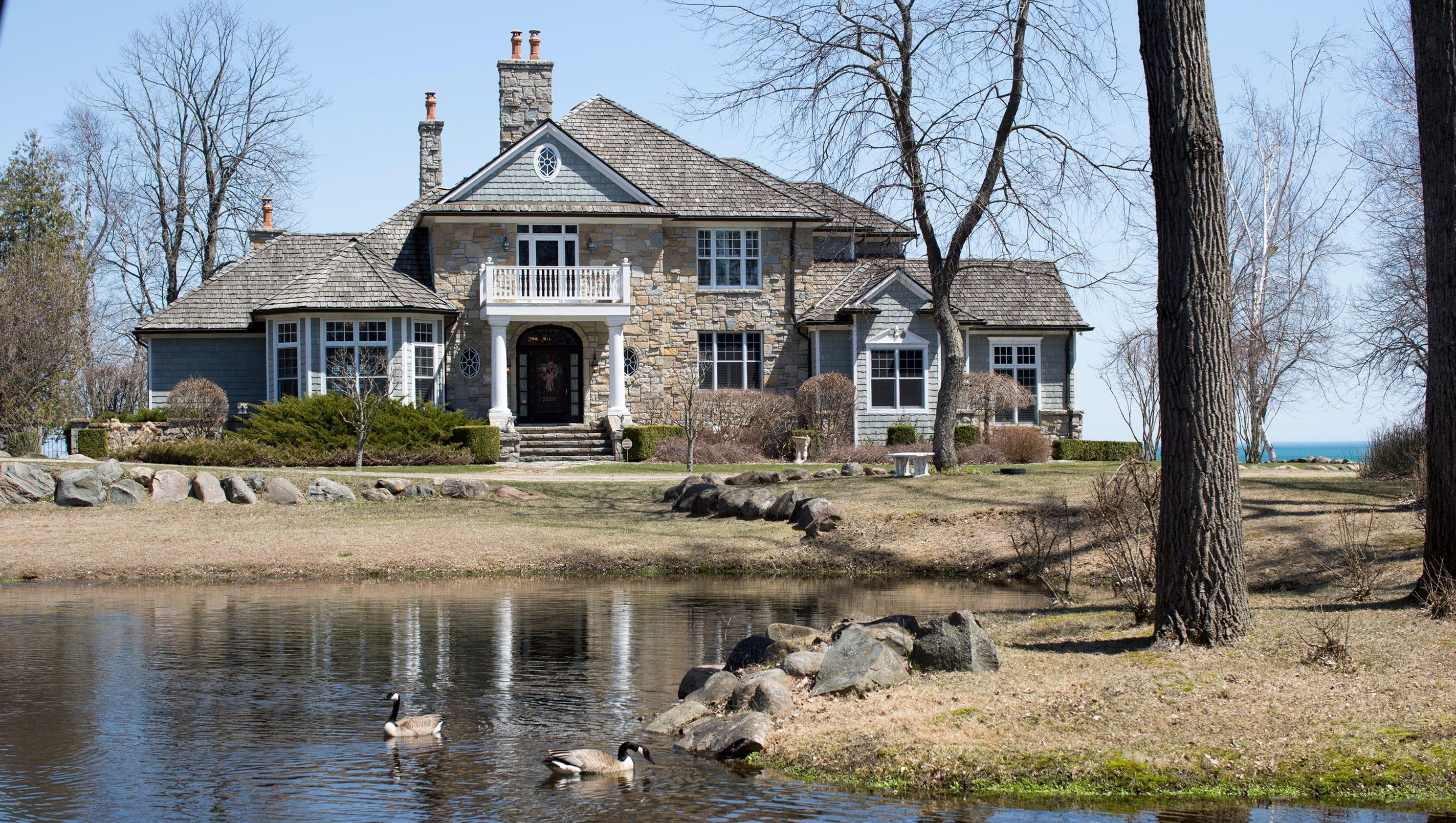 Lake Huron Home Built By Carhartt Granddaughter Rustic And Elegant