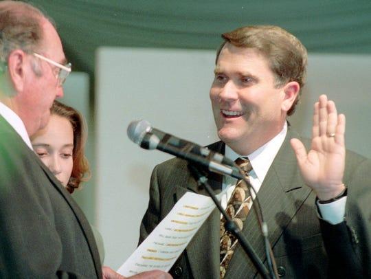 Skip Rimsza is sworn in as Phoenix mayor in January