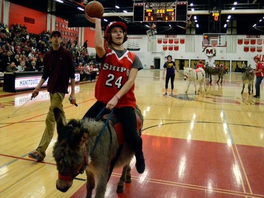 -MAN s 0327 Donkey Basketball 0534.JPG_20140327.jpg