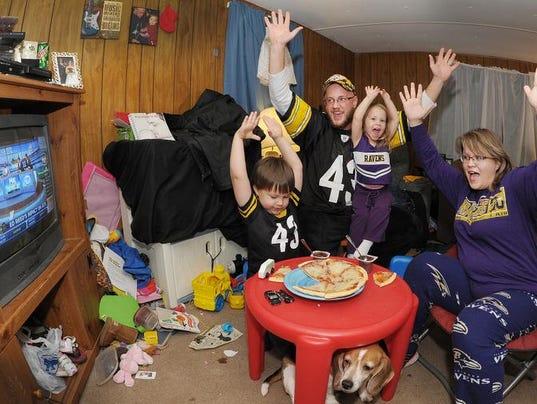 111413-wil.xxx.family.football.rivalries-cs.1053.jpg
