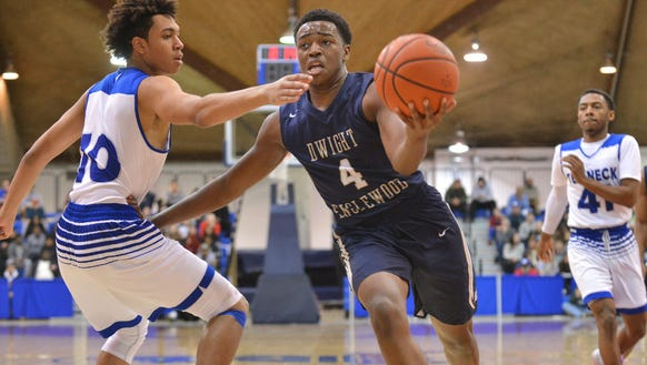 Isaiah Pean (4) and Dwight-Englewood clinched the NJIC