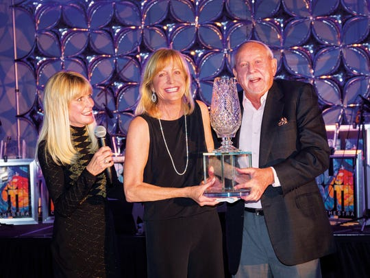BAM Chair Elect Debi Aarthun and BIGHORN Chairman R.D. Hubbard presented this spectacular trophy to BAM Founder Selby Dunham for her decade of philanthropic achievement.
