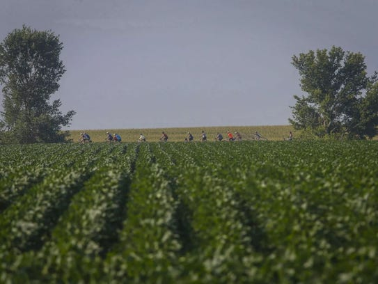Cyclists make their way to Britt during RAGBRAI on