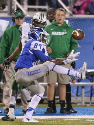 MTSU's Richie James (87) misses a pass against Marshall on Nov. 7.
