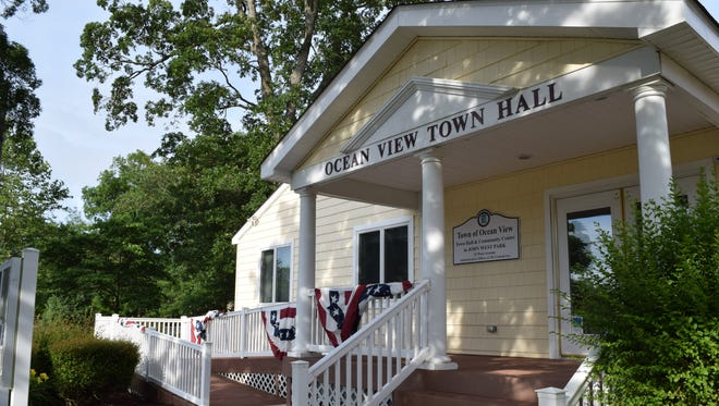 This fall, the Osher Lifelong Learning Institute at the University of Delaware in Lewes will hold nine courses at Ocean View Town Hall.