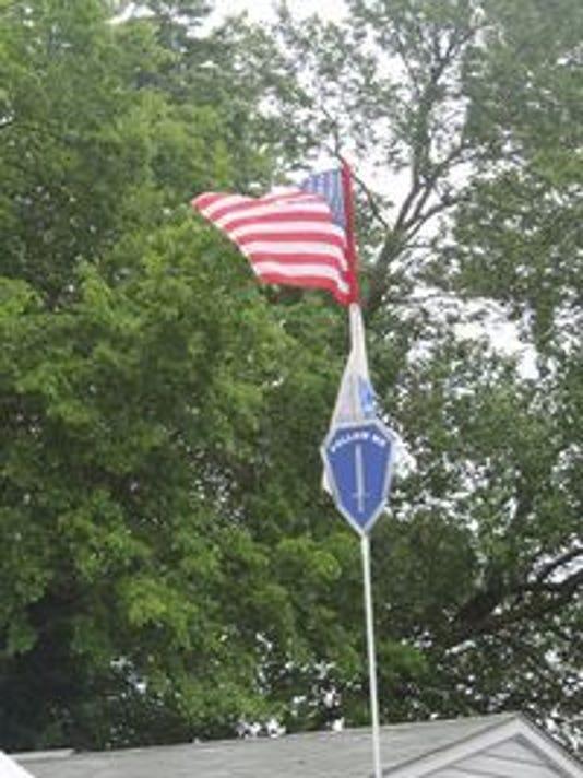 636360791050825310-636319069906834130-American-Army-Flags---Follow-Me-Logo.jpg