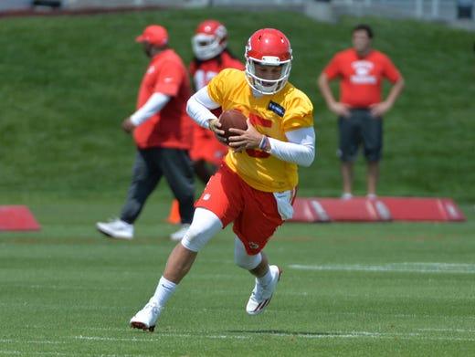 John Elway S Biggest Broncos Hits Misses Peyton Manning