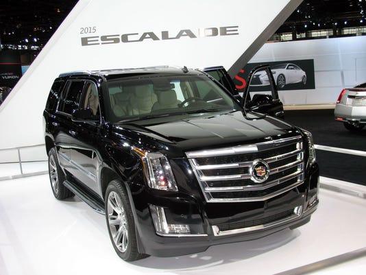 635620544336479473-2015-Cadillac-Escalade-SUV