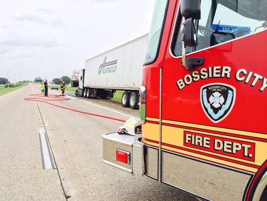 635715378876916213-truck-fire-3