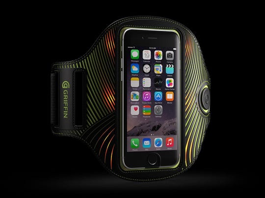 The LightRunner Universal Armband for smartphones enhances your visibility with its built-in LED lights.