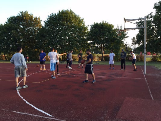 berlin_migrants_basketball