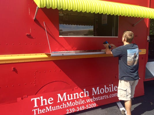 The Munch Mobile Fort Myers food truck