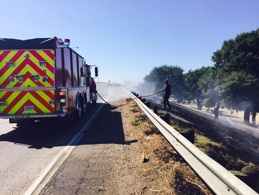 635808683758531911-I20-at-Airline-Grass-Fires-Photo-1-10-19-15