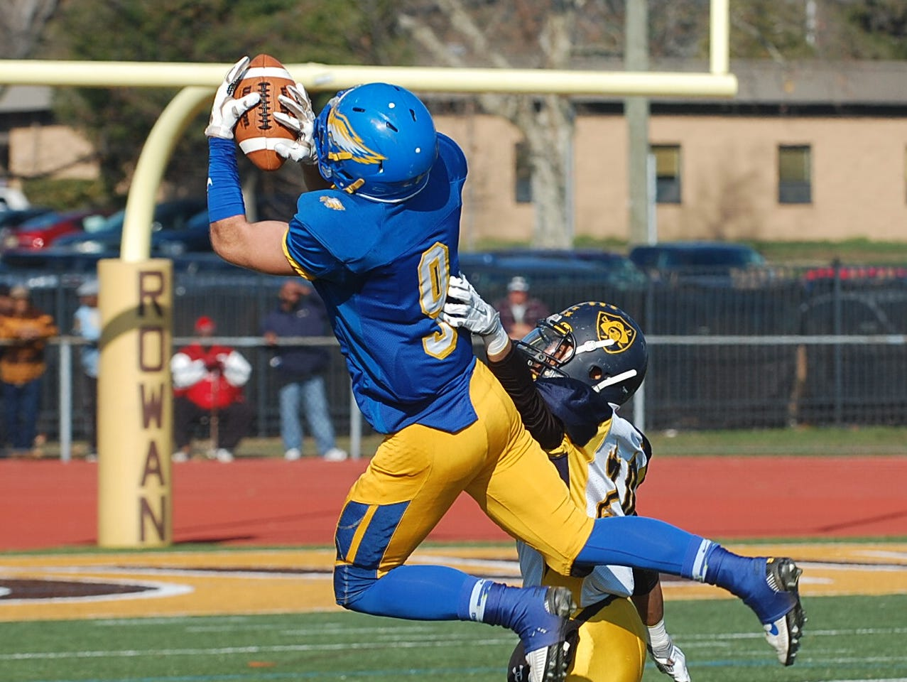 Jeremy Boucher pulls in a pass during the third quarter of Saturday's South Jersey Group 1 final.