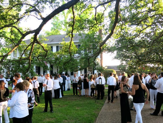 Guests gather at Frierson Plantation for the Aioli