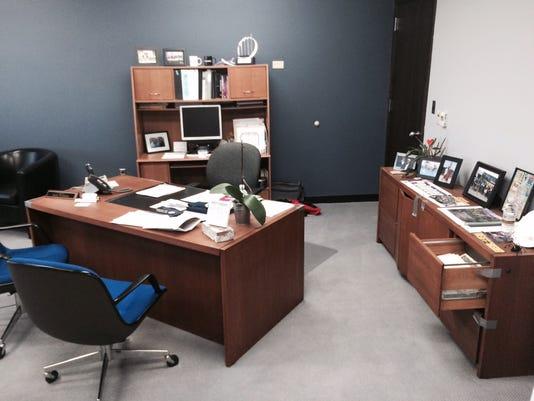 635991092156084777-office1.jpg