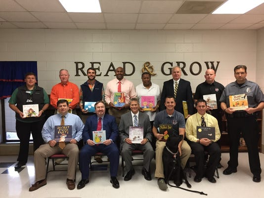 636138661385574022-Real-Men-Read-at-Palmetto-Elementary.jpg
