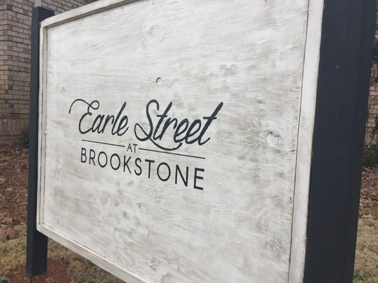 Earle Street at Brookstone