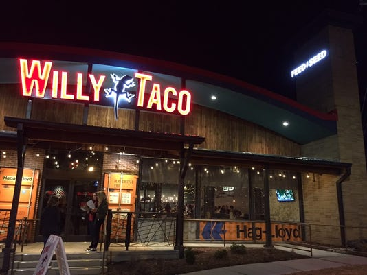 636274210242262676-Willy-Taco-outside.jpg