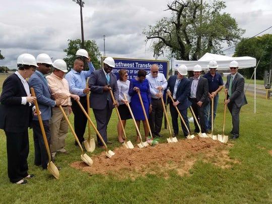 SporTran officials join Shreveport Mayor Ollie Tyler,