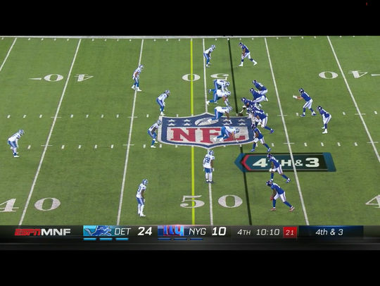Pre snap to fourth down play in fourth quarter of Lions'