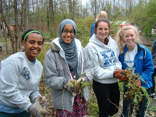 Mother of Mercy students with fellow interfaith day
