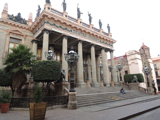 Take in a performance at the Teatro Juárez, the cultural
