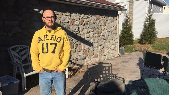 After years of addiction, Donny Mundis has been clean for two years and has reunited with his family.