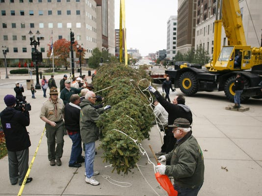 State Christmas tree arrives at The Capitol