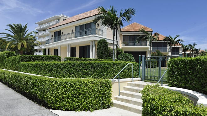 A company controlled by Minnesota Vikings co-owner and President Mark Wilf has sold Villa Plati Townhouse No. 1 for about $7.7 million, according to the price recorded with the deed by the Palm Beach County Clerk's office.