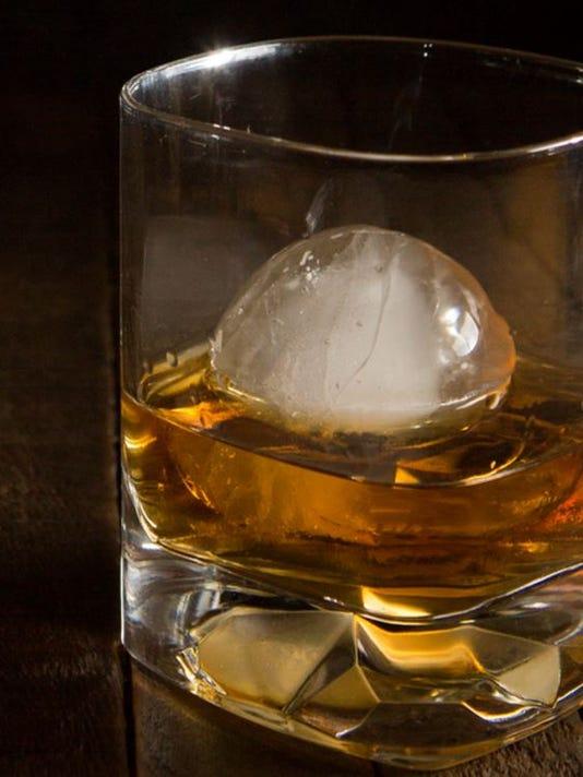 636022095476095357-Bourbon.JPG