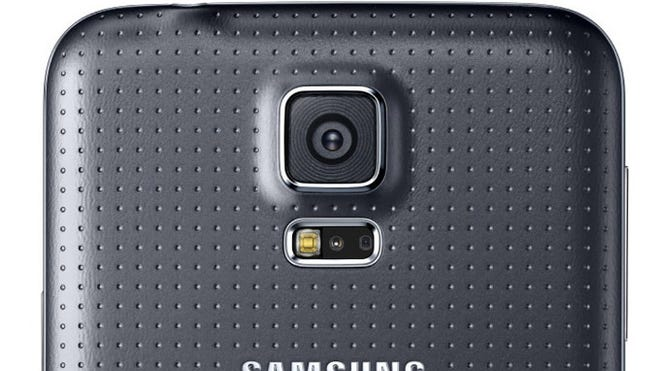 Android users can grab the free Salient Eye app to turn their phone into a security camera.