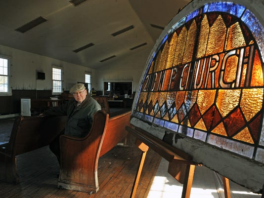 635954681185711619-Mt-Pleasant-Church-Stained-Glass.jpg