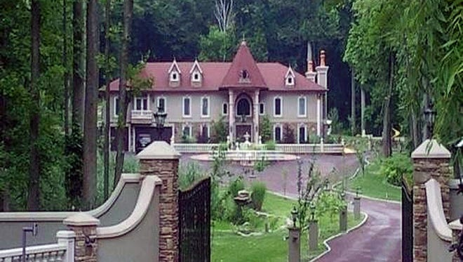 Real NJ Housewives star Teresa Giudice's 16-room, 10,000-square-foot home in Towaco, a section of Montville.
