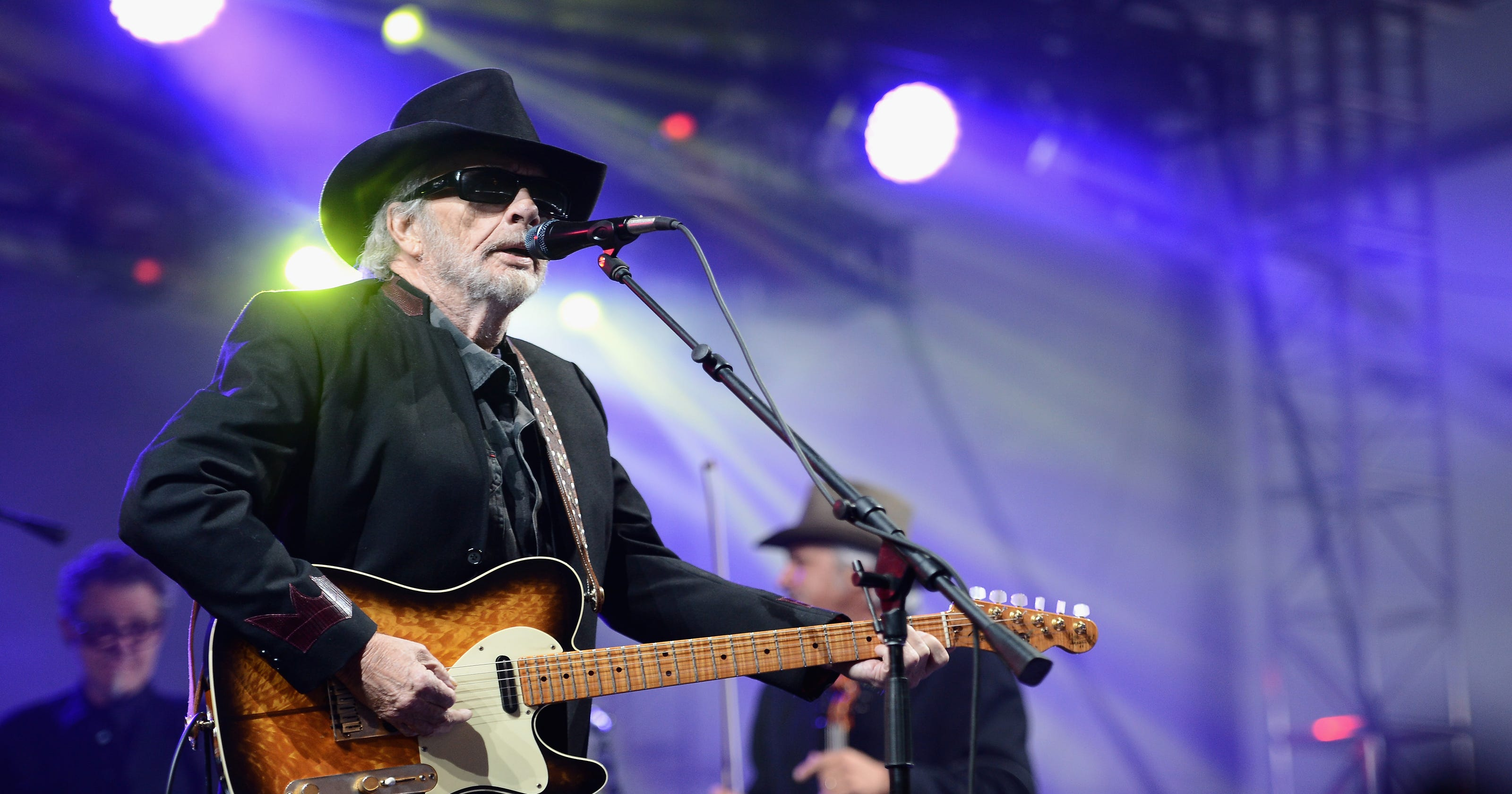 Merle Haggard And Arizona Country Thunder Performers Honor Legend