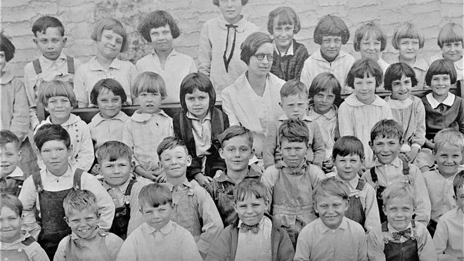 Local school childred in the 1920s.