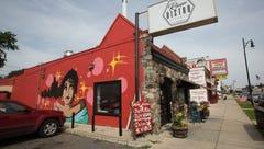 Chef Max Hardy's River Bistro restaurant suspends weekday service