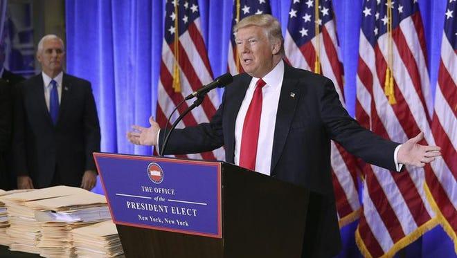El presidente electo estadounidense, Donald Trump, ofrece una rueda de prensa en la Trump Tower, Nueva York, Estados Unidos, este 11 de enero de 2017.