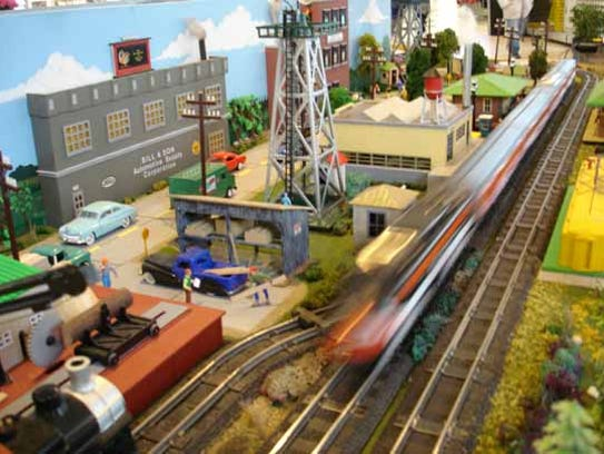 Train enthusiasts of all ages will enjoy the scale
