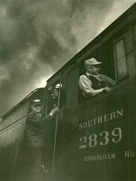 Railroad men on Southern 2839 fr Jim Coman collection.jpg