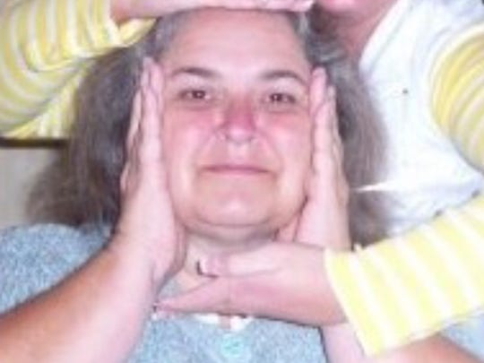 Dustin Barnes' mother, Sheila Barnes, takes a goofy photo. And then she texts it to her son without any context or warning, in order to confuse him.