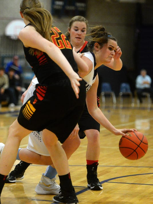 -12182015_gfh girls basketball-d.jpg_20151218.jpg