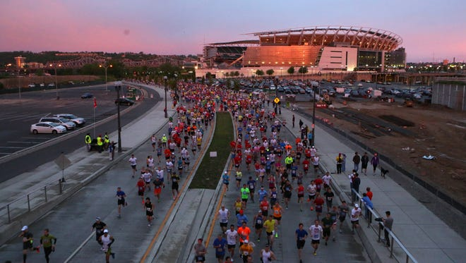 After a record-setting field of 33,852 in 2013, this year's Flying Pig weekend is on pace to bring in more participants.
