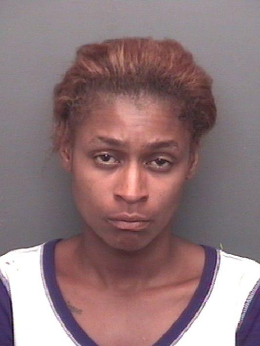 Police Woman Allegedly Cut Boyfriends Leg With A Knife