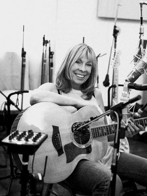 Rickie Lee Jones performs at Green Lake's Thrasher Opera House Friday, Aug. 18.