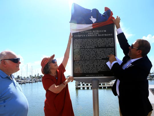Researcher Norman Delaney (from left), Robin Borglum Kennedy and Pct. 3 Commissioner John Marez unveil the Texas Historical Marker for Gutzon Borglum during a dedication Thursday, July 6, 2017, in Corpus Christi.