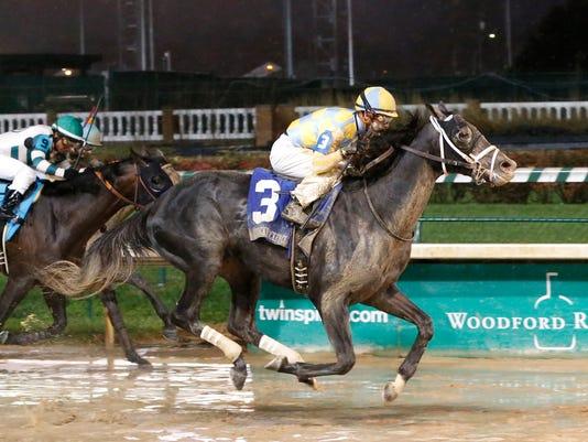 635843316105672730-PHOTO-20151128-Airoforce-Wins-Kentucky-Jockey-Club-finish-.jpg