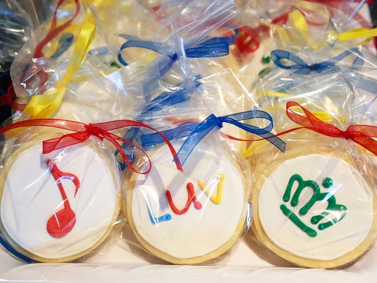 Southwest passengers received Music City themed treats.